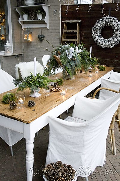 Outdoor decorating for christmas